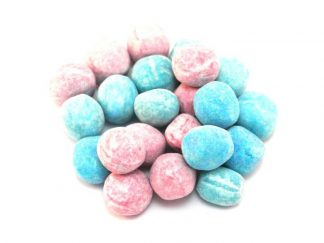 A mix of chewy pink and blue bonbons with a bubblegum flavour