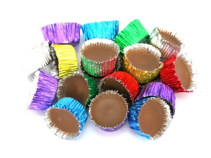 Icy Cups are a beautiful smooth chocolate in colourful metal cases