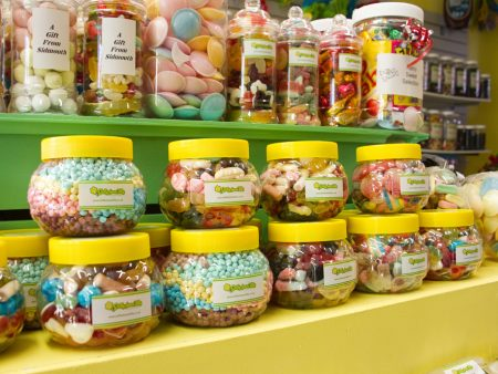 Sweet jar gift array